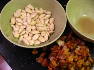 Peeled Almonds